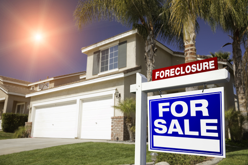 Should I Buy a Foreclosed House?